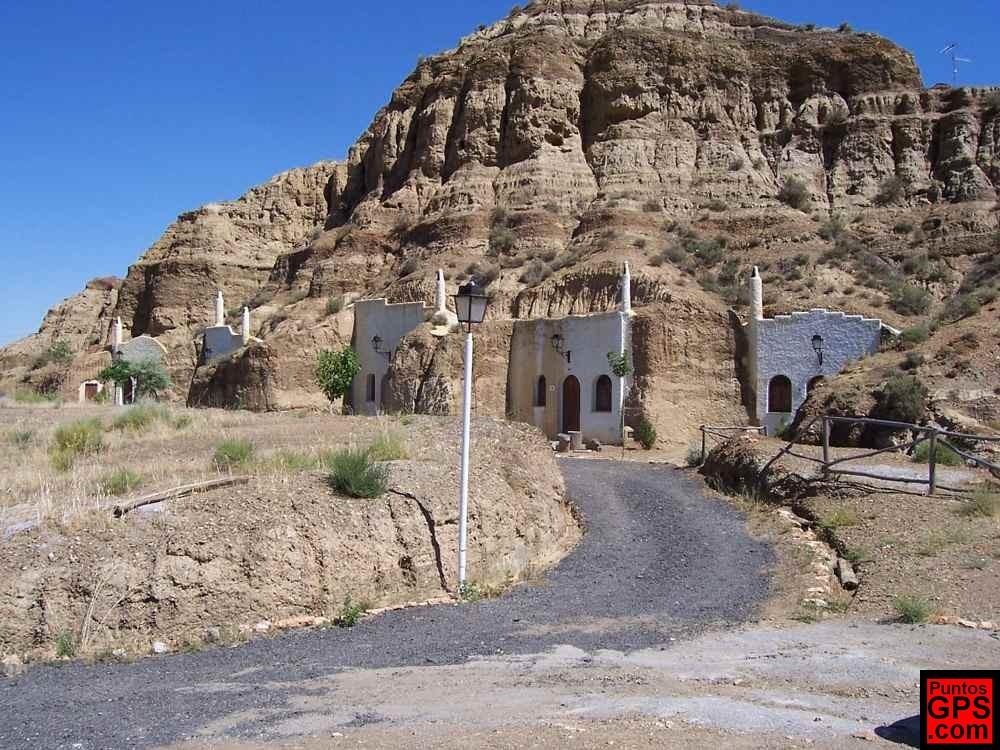 Cuevas de guadix en granada casas excavadas en la roca - La casa de las mamparas granada ...